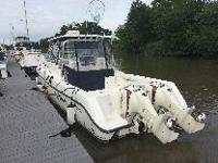 2004 Boston Whaler Conquest 305 with Brand New twin