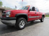 LOW MILES!! 2004 Chevrolet 2500HD Extended Cab 4x4.