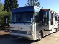 2004 Country Coach Attraction w/3 Slides. This is a