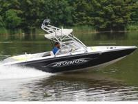 About this 2004 Moomba Mobius LSV Ski and Wakeboard