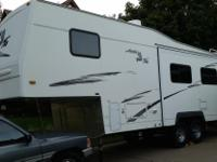 2004 Northwood Arctic Fox 27-5, 5th Wheel, Ducted AC,