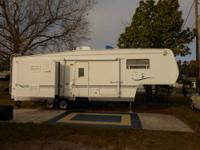 2005-31'ft. Fifth Wheel (Alumascape)trailer with 2