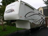 Excellent Condition... 2005 Mobile Scout 36BWKS Titan.