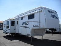 2005-36ft.-Monaco McKenzie Medallion 5th Wheel has 3