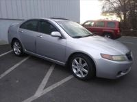 CLEAN CARFAX! LOCAL TRADE!     LEATHER INTERIOR