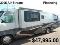 This 2005 Airstream Land Yacht 30 is a thirty (30) foot