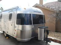 This is a wonderful, top of the line 19 ft Airstream