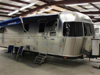 Gorgeous 2005 31' Airstream Classic with lots of