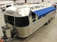 Gorgeous 2005 31' Airstream Classic with lots of extras