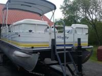 2005 Bentley Pontoon, engine replaced new in 2012 with