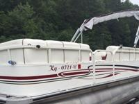 ,.;;2005 Bently Pontoon 20ft/with Bimini top and 3