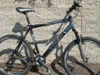 Very nice Black and Silver Trek 4300 mountain bike with