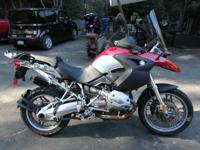 Outstanding 2005 R12000GS with only 17,328, roadway