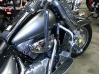 2005 Suzuki Boulevard 1500cc black and silver