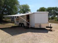 2005 Cargo Mate M24 Toy Hauler This amazing 24 foot