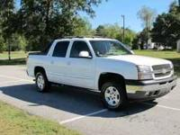 2005 Chevrolet Avalanche. Immaculate truck loaded out