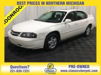 White 2005 Chevrolet Impala FWD 4-Speed Automatic with