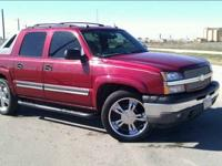 2005 CHEVY AVALANCHE - $15000 (WEST AUSTIN) BEAUTIFUL
