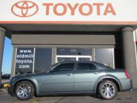 JUST TRADED, ALLOY WHEELS, CLEAN CARFAX, LEATHER SEATS,