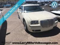 NEW ARRIVAL! -LOW MILES!- -LEATHER SEATS, MULTI-ZONE