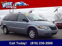2005 Town and Country Touring Clean CARFAX - Leather,
