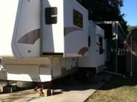 2005 Crossroads Paradise Pointe 5th Wheel. 2005