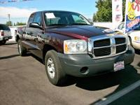 2005 Dodge Dakota Club Cab ST Pickup 2D 6 1/2 ft