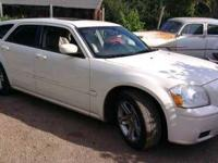 2005 Dodge Magnum RT Sedan Fully loaded V8 Hemi engine
