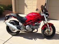 2005 Ducati Monster 1000S DS. Very Low MILEAGE