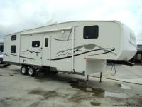 2005 DURANGO 33FT WITH ONE SUPER-SLIDE OUT. MODEL
