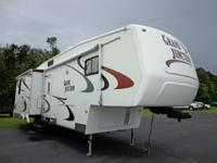 2005 32 DUTCHMAN / GRAND JUNCTION / 5TH WHEEL   32 TC /