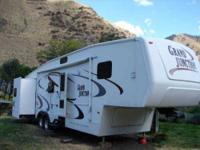2005 Dutchmen Grand Junction 5th Wheel This lovely 37