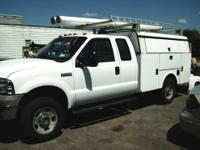 Selling a 2005 F350 Super Duty 4X4 with utility bed.