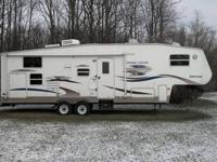 For Sale 2005 Copper Canyon 297FWBHS in excellent shape