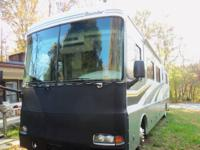 2005 FLEETWOOD BOUNDER 38N PUSHER DIESEL, Triple