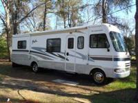 2005 Fleetwood Fiesta 32S Class A This 31 foot RV is in