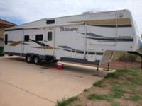2005 Fleetwood Triumph Fifth Wheel Description: 2005