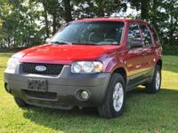2005 Ford Escape XLT 4x4 SUV. Red Metallic w/grey