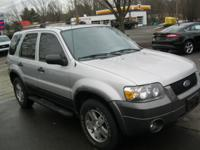 Exterior Color: silver metallic, Body: SUV, Engine: Gas