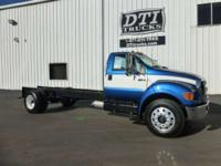 2005 Ford F-750 XL Super Duty 2005 Ford F-750 Cab