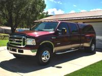 2005 Ford F350 Lariat Crew Cab 4x4 dually Immaculate