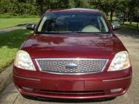 2005 FORD Five Hundred Sedan SEL Our Location is: Don