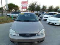 2005 FORD FOCUS ,CLEAN CAR FAX NEVER BEEN AN ACCIDENT