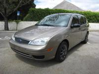 2005 FORD FOCUS ZXW SE WAGON...FULLY LOADED LIKE NEW