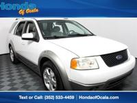 Exterior Color: oxford white clearcoat, Body: Wagon,
