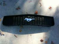 2005 Ford Mustang Grille in good condition $50 Tony