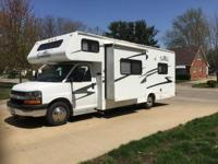 2005 Forest River Sunseeker M-2450S . This motorhome is