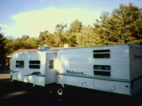 2005 Forest River Wildwood LE BHSS Travel Trailer This