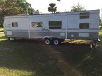 .,,2005 Four Winds Express travel trailer in good