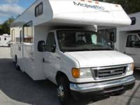 2005 Four Winds Majestic Class C Beautiful motor home.